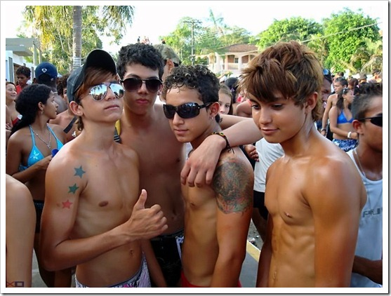 shirtless_summerboys (12)