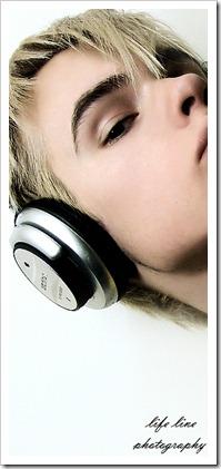 More_twinks_with_headphones-gayteenboys18 (15)