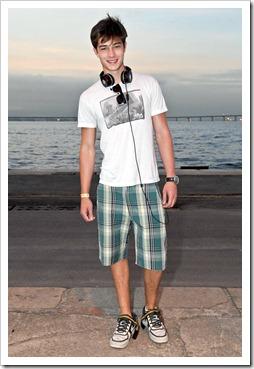 More_twinks_with_headphones-gayteenboys18 (5)