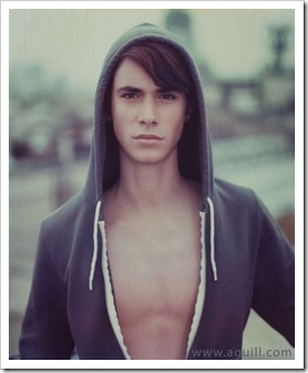 Teen_boys_in_hoodies (14)