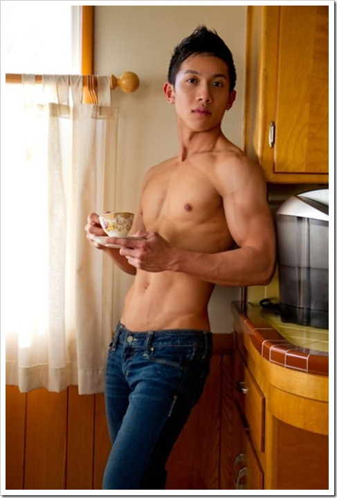 Teen_boys_in_their_kitchens (103)