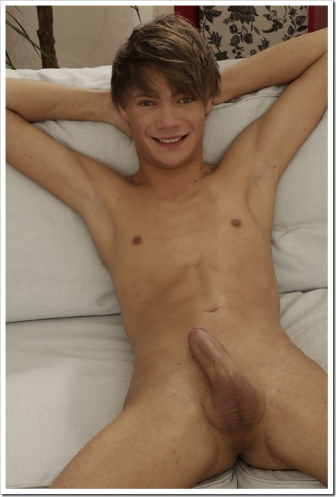 Two-Romantic-Twinks-Staxus (103)
